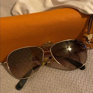 Tory Burch Avatar Sunglasses with carrying case